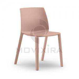 Cadeira em Plástico Dora